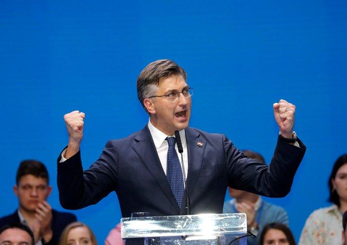 Премьер-министр Хорватии Андрей Пленкович принимает участие в предвыборном митинге в столице Хорватии Загребе, 18 мая 2019.