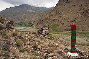 У Таджикистані мікроавтобус зірвався з 50-метрової висоти, загинули 11 осіб