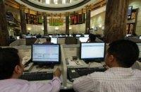 Фондовый рынок торговался на двух фронтах