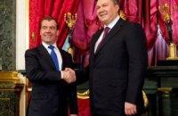 Янукович пожелал Медведеву последующих успехов