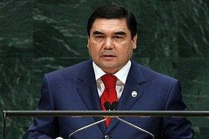 Президент Турменистана застрял в лифте