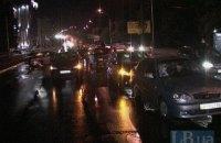 В Киеве во время дождя в масштабном ДТП столкнулись семь автомобилей