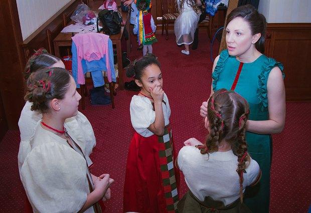 Олеся Бондарь с детьми-моделями
