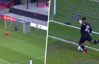 Воротар збірної Гаїті у відбірному матчі ЧС-2022 забив безглуздий автогол, двічі промахнувшись по м'ячу