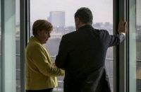 Порошенко обговорив із Меркель роботу ОБСЄ і саміт у Ризі