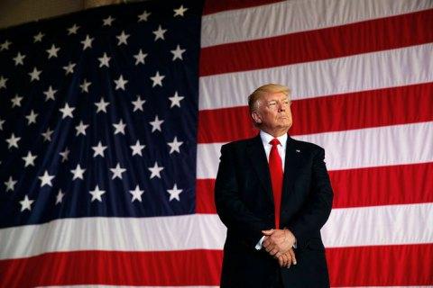"""Трамп признался, что несет """"невероятные убытки"""" на должности президента"""