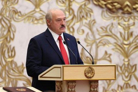 """Лукашенко о позиции Украины относительно непризнания его президентом: """"Чья бы корова мычала, а Зеленского - молчала"""""""