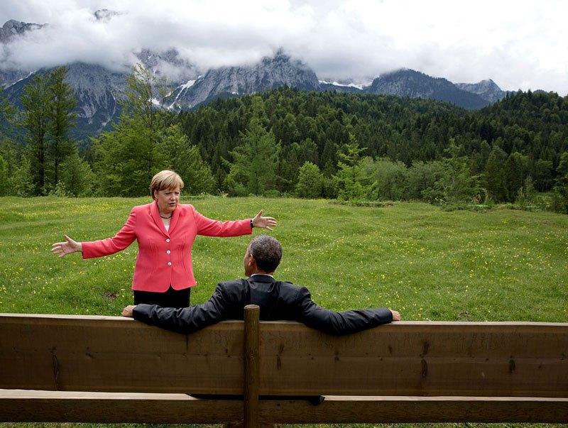 Барак Обама и Ангела Меркель во время встречи на саммитеБольшой семерки (G7). 8 июня 2015 года