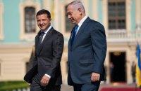 Зеленский договорился с Нетаньяху решить проблему задержания украинцев на границе Израиля