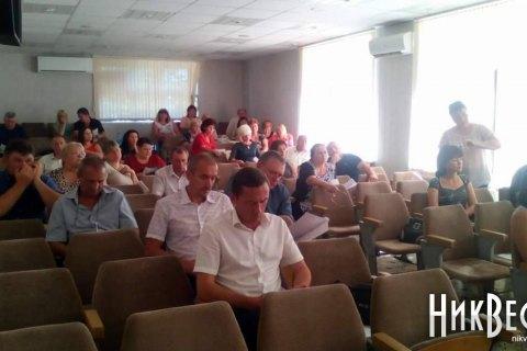 На сессии Николаевского райсовета депутату сломали руку