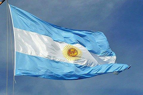 В Аргентине после президентских праймериз рекордно обвалились фондовый рынок и песо