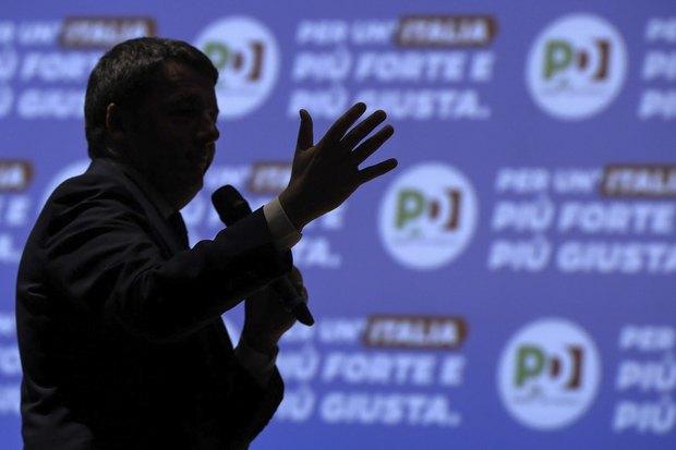 Лидер итальянской демократической партии (PD) Маттео Рензи во время предвыборной кампании в Риме, Италия, 18 февраля 2018.