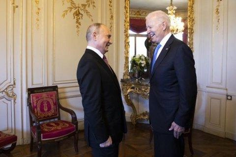 Байден передал Путину список связанных с Россией кибератак на объекты в США