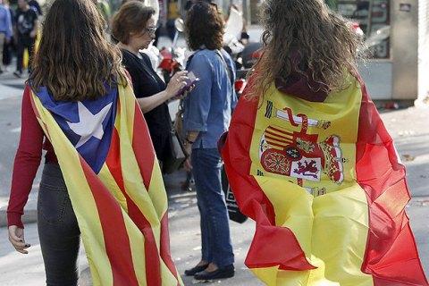 """Правительство Испании пригрозило силой """"восстановить закон"""" в Каталонии"""