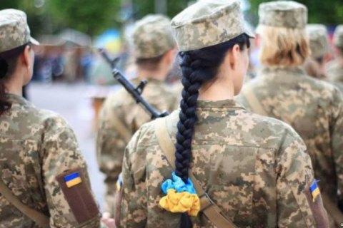 Військовий медик винесла з поля бою пораненого біля Авдіївки бійця