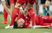 В матче квалификации Евро-2020 игрок спас футболиста сборной Швейцарии от смерти на поле (обновлено)