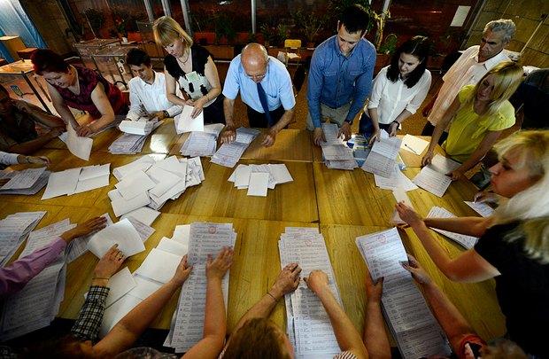 Підрахунок результатів виборів на одній з дільниць