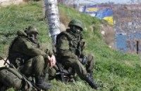 """""""Ворсклу"""" у Севастополі зустрічали військові з гвинтівкою і кулеметом"""