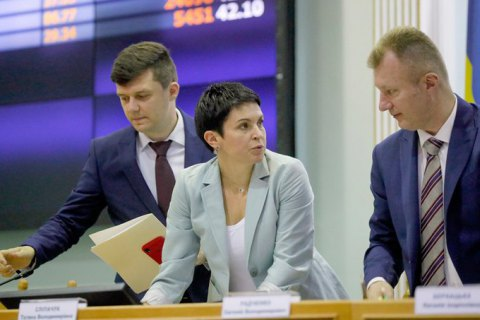 """Центрвиборчком прийняв 183 з 199 протоколів з """"мокрими"""" печатками"""