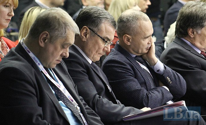 Hennadiy Plis (right) and Viktor Subbotin (centre)