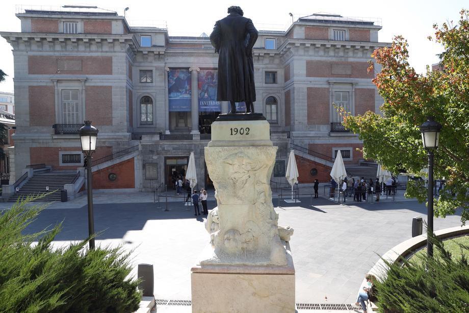 Черга в Музей Ель-Прадо в Мадриді, 10 жовтня 2020 р.