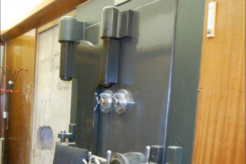 В Коломые грабители похитили 150-килограммовый сейф из ювелирного магазина