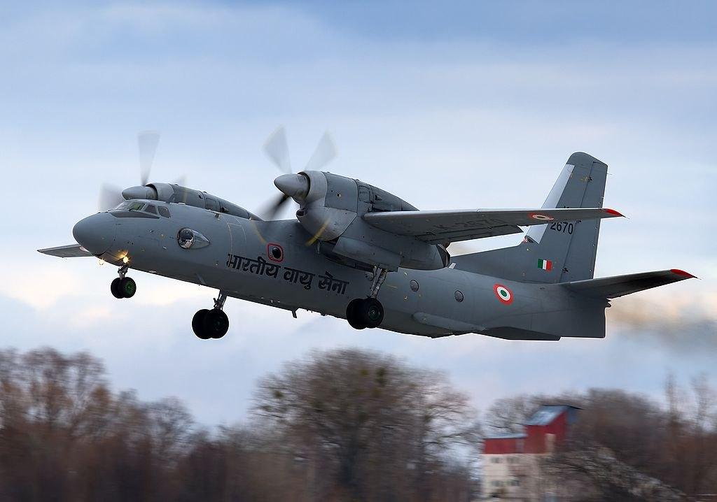 Ан-32RE злітає з аеропорту Гостомель 31 січня 2011