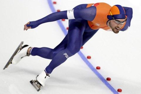 Голландский конькобежец Нёйс выиграл золото Пхёнчхана на дистанции 1 000 метров