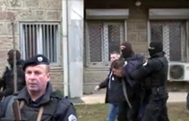 Задержание полицией Косово Марко Джурича