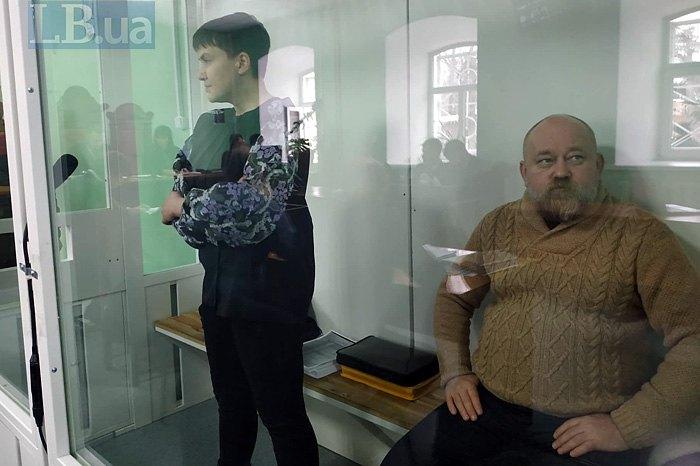 Надія Савченко та Володимир Рубан під час засідання суду в Чернігові