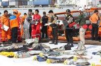 В Индонезии упал самолет, погибли 189 пассажиров (обновлено)