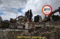 У центрі Києва через обвал бетонної плити загинув водій екскаватора