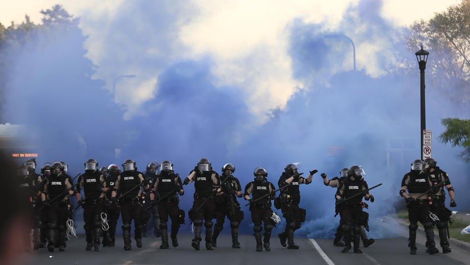 Спецотряд штата Миннесота во время беспорядков в Миннеаполисе, 30 мая 2020 года.