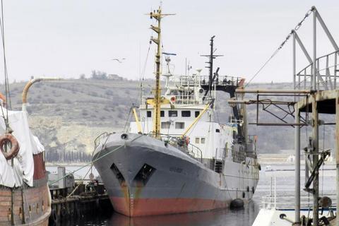 ГПУ домоглася арешту риболовецького судна за заходження в Крим