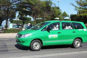 Таксист повернув пасажирам забуту торбину з iPad і 20 тисячами доларів