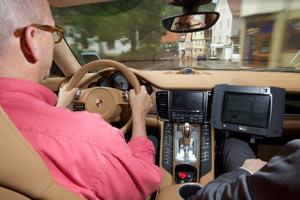 Porsche разрабатывает «автопилот» для водителей