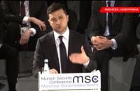Зеленский призвал мир не забывать о войне в Украине