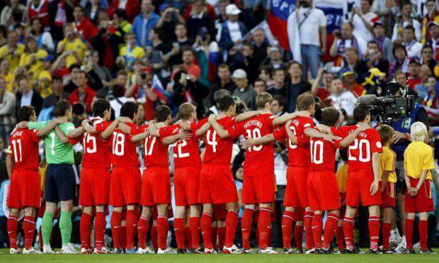 Выступление россиян на предыдущем Евро положило конец гигантской волне самоиронии в рядах болельщиков. Наша сборная пока не дает повода не смеяться сквозь слёзы