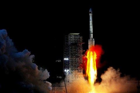 Китайский космический аппарат сел на обратную сторону Луны