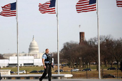 США отложили прием заявок на лотерею грин-карт из-за технических проблем