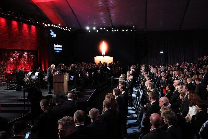 Нафтали Дойч, который пережил Холокост, выступает во время всемирного форума по Холокосту в Иерусалиме, 23 января 2020.