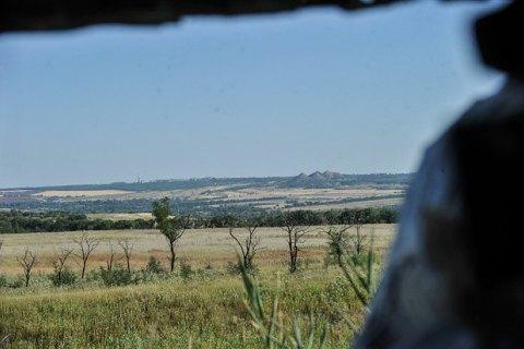 На Донбасі отримав поранення один військовий