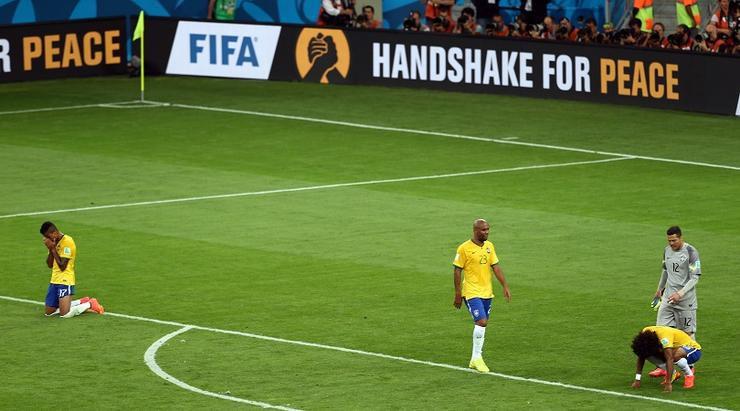 Мировой футбол команда бразилии барселона