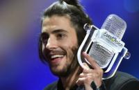 """Победителя """"Евровидения-2017"""" выписали из больницы после пересадки сердца"""