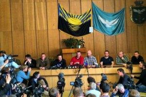 Террористы показали похищенных инспекторов ОБСЕ в Славянске