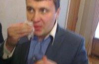 У Раді депутат Івченко розбив обличчя Єгору Соболєву