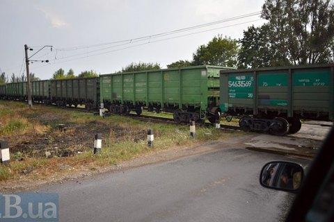 В Бориспольском районе грузовой поезд сбил мужчину