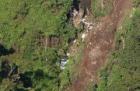 """В Індонезії знайшли """"чорні ящики"""" SuperJet, який розбився"""