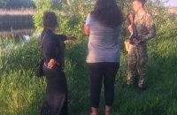 Дві жінки на човні припливли з Росії до Луганської області