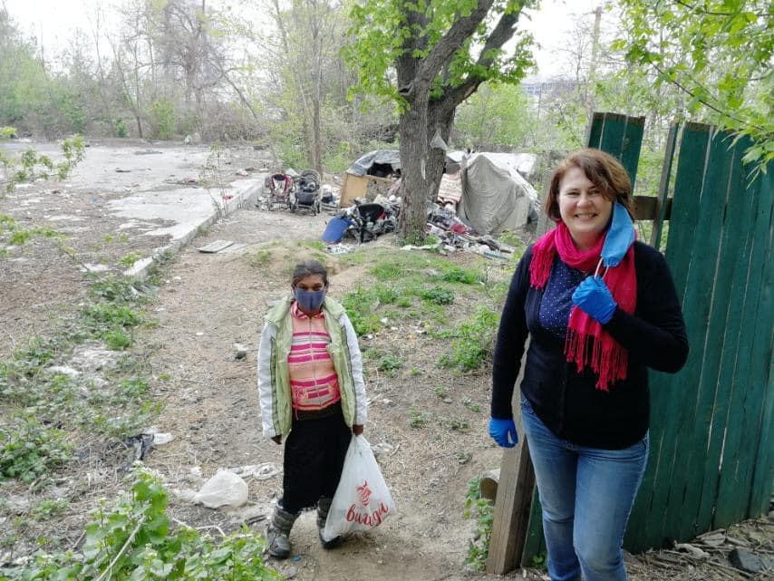Анжела і волонтерка Віта Зіневич до нападу